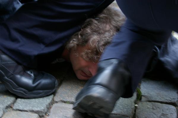 arrest2-2.jpg