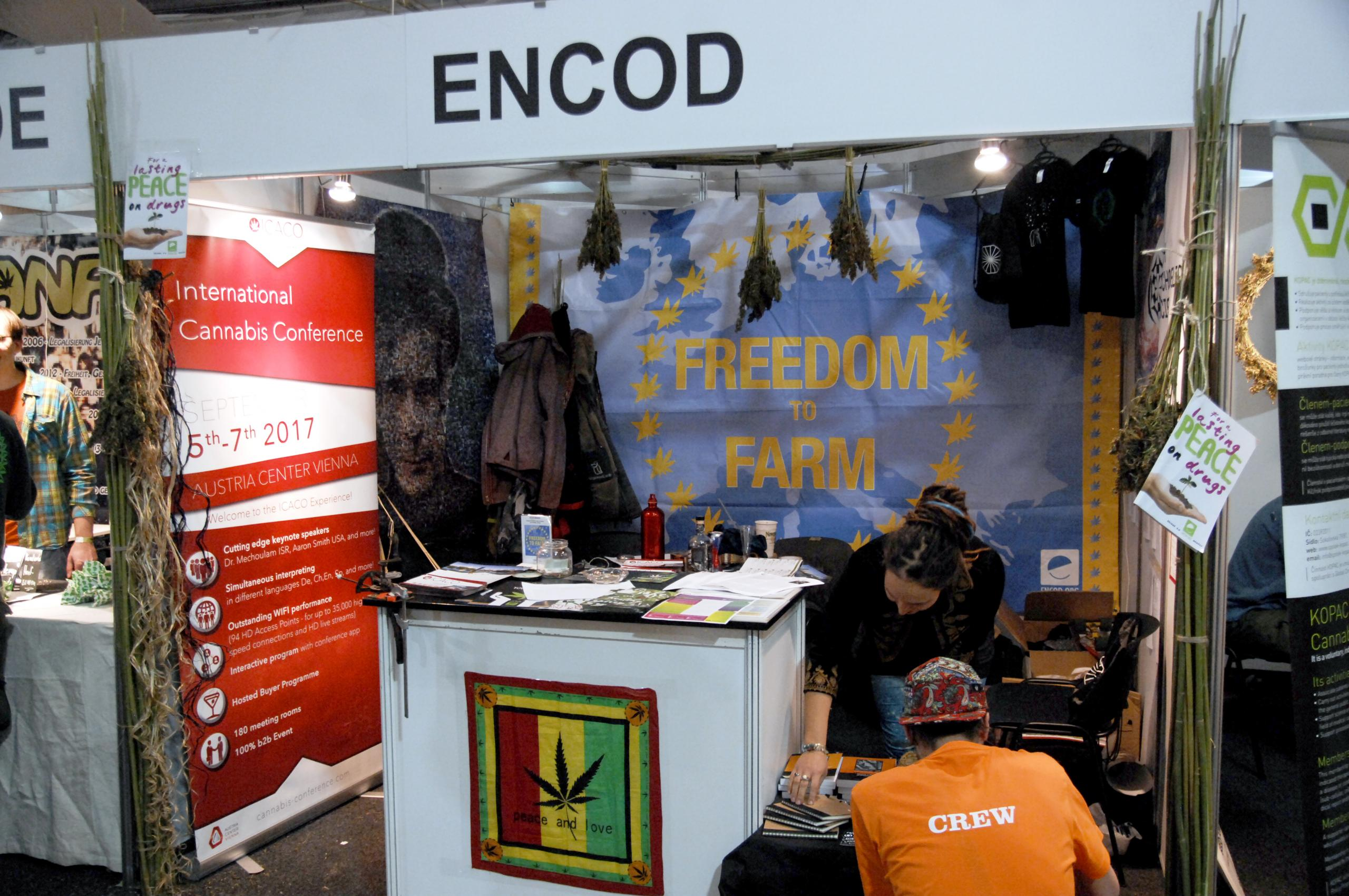 cannafest_2016_encod_stand_photo_derrick_bergman_0236_1_.jpg